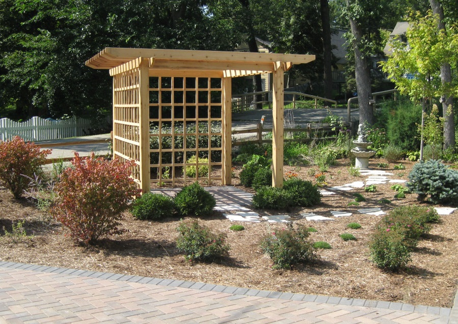 Full Service Landscaper in Burlington, WI