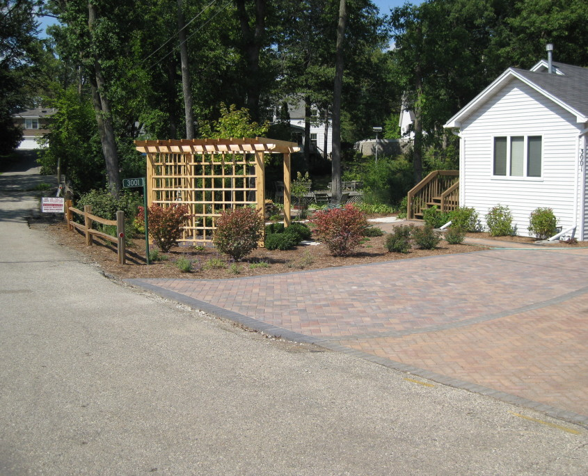 Front yard landscaping AFTER image